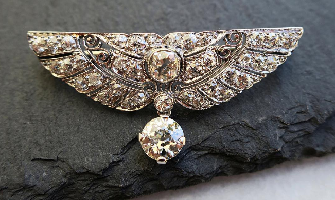 The Top 5 Reasons for Bringing Back the Brooch