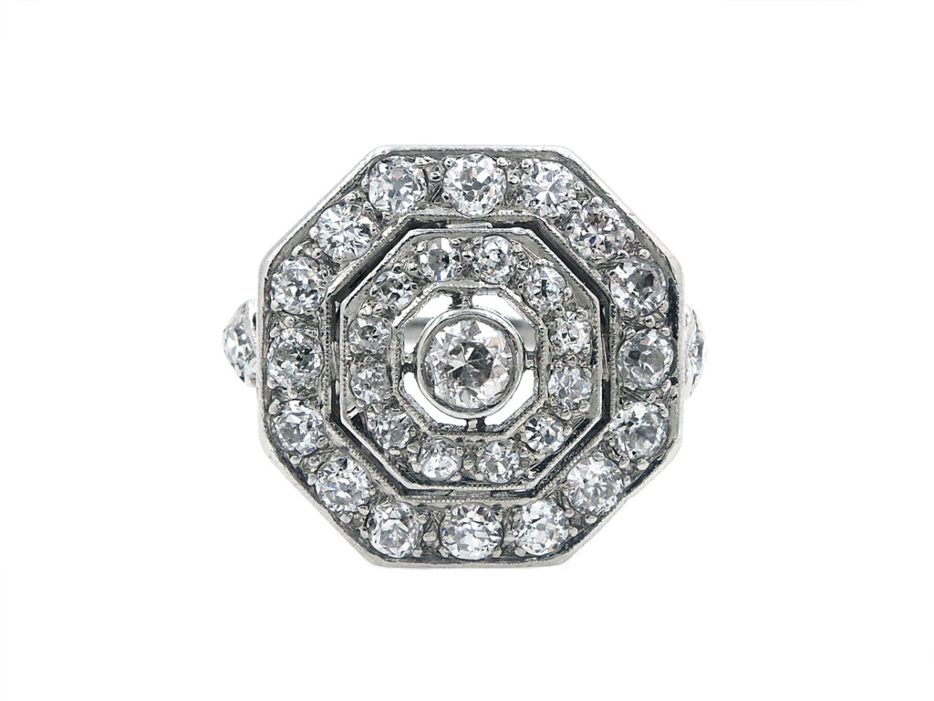 Art Deco Diamond Ring in Platinum